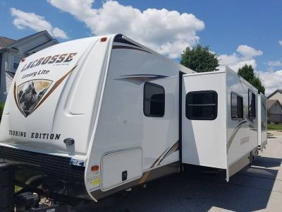 2013 Prime Time Lacrosse Luxury Lite 318BHS