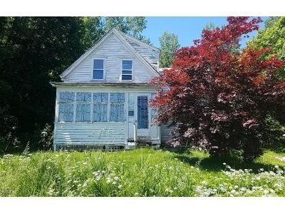 3 Bed 1 Bath Preforeclosure Property in Rockport, ME 04856 - Commercial St