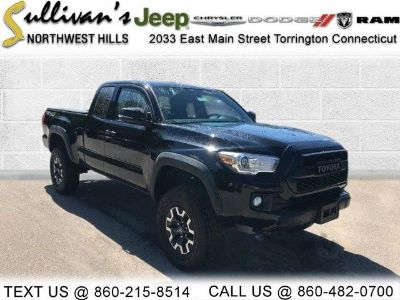 2017 Toyota Tacoma TRD Offroad (Black)