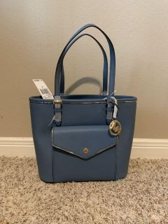 $228 MICHAEL KORS purse. Saffiano leather. NEW WITH TAGS. More pictures in comments.
