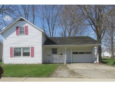 2 Bed 1 Bath Foreclosure Property in Hoagland, IN 46745 - Hoagland Rd