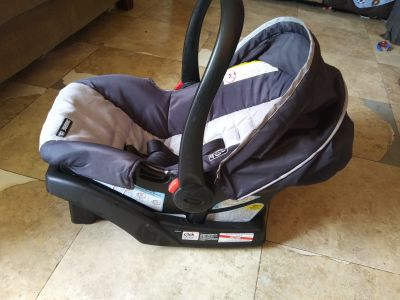 Car seat with base Graco