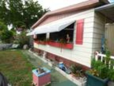 Large 3/2 Mobile Home with Land in Boca Raton. Great School District!!!