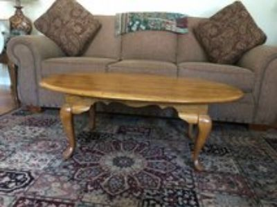 Broyhill coffee table with 2 matching end tables