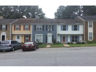 2 Bed 2.5 Bath Preforeclosure Property in Atlanta, GA 30360 - Aspen Woods Entry