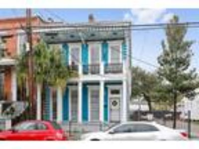 $1099900 Eight BR 6.00 BA, New Orleans