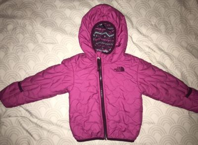 North Face Infant girls insulated reversible winter coat with built in gloves size 12-18 months