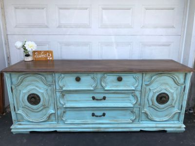 """GORGEOUS Distressed Console/Buffet/Dresser-80""""x32""""x20""""- refinished in turquoise/ brown accent-260$"""
