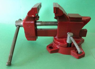 "HOME #203-1/2 - With 3-1/2"" Jaws & 4-1/2"" Opening Swivel Base Bench Vise -- works real"