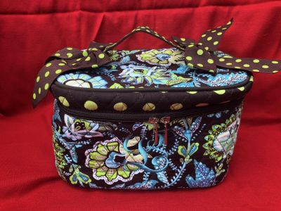 Belvah Beauty and Quality Cosmetic/Makeup Bag