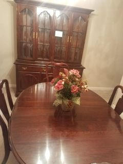 China cabnet and dining table