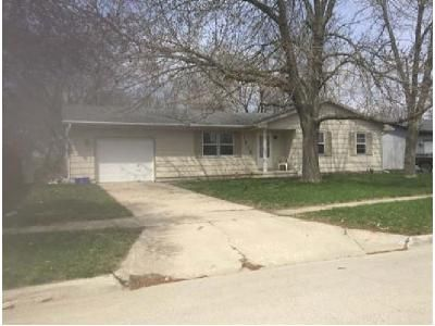 3 Bed 1 Bath Foreclosure Property in Perry, IA 50220 - 31st St