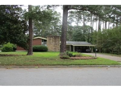 4 Bed 2.5 Bath Preforeclosure Property in Rocky Mount, NC 27803 - York St
