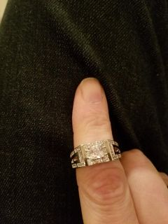LIGHTWEIGHT STERLING AND CZ UNISEX RING SZ 10