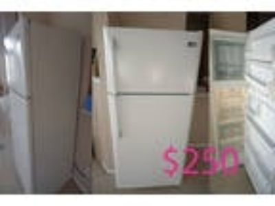 Frigidaire Refrigerator and Top Freezer Used 18 cu. Ft.