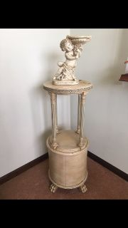 Antique Round French Claw Foot Plant or Lamp or Statue Table