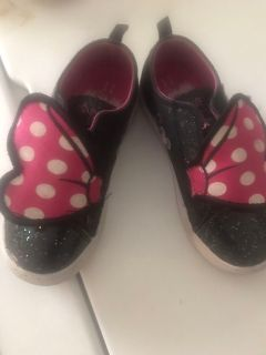 Toddler girl Minnie Mouse Shoes size 11