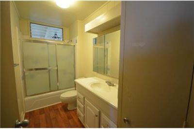 Renovated Nuuanu single family home with 2 car garage and great views!