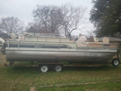 1998 24ft Voyager Pontoon, 1998 Johnson 90