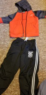Boys outfit w hoodie and athletic pants 7/8