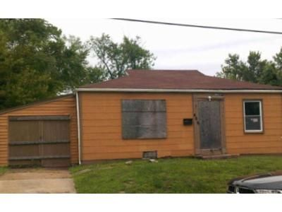 2 Bed 1 Bath Foreclosure Property in Saint Louis, MO 63135 - Plaza Ave