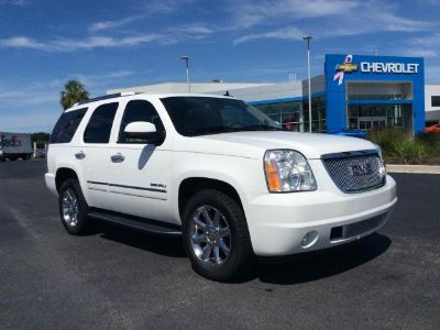 2013 GMC Yukon Denali (SUMMIT WHITE)