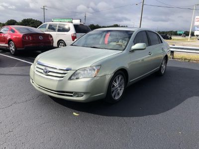 2005 Toyota Avalon XL (Beige)