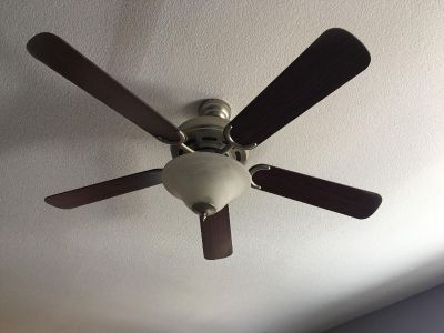 52 inch Hunter ceiling fan., works. (See additional pictures)