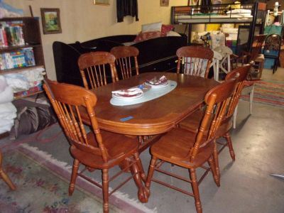 Oak Oval Table With Six Chairs