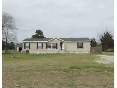3 Bed 2 Bath Foreclosure Property in Winona, TX 75792 - County Road 3116