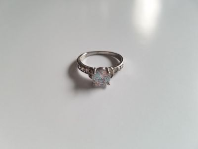 Gorgeous White Sapphire Sterling Silver Engagement Ring - Size 7