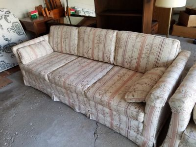 Stanton Cooper sofa Clean removable cushions