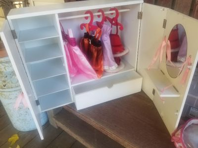 Doll Closet and outfits