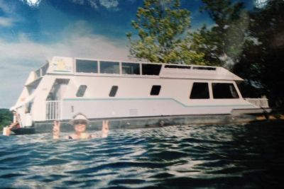1995 Fun Country Houseboat