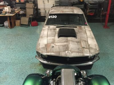 1970 fastback mustang with 44 inclosed hook up and go racing