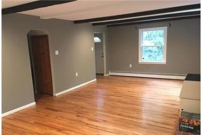 5 bed, 2.50 bath, safe neighborhood. Washer/Dryer Hookups!