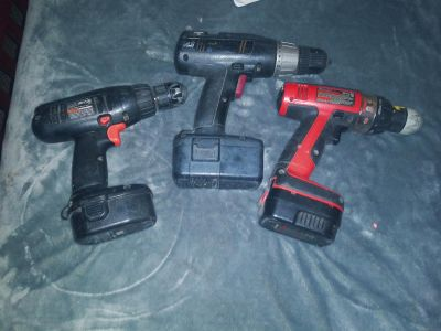 3 black and Decker drills w/Sep tool backpack