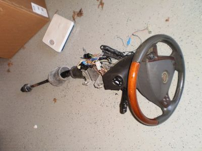 03-07 Cadillac CTS OEM Steering Column Wood Grain Wheel w/ Air Bag floor shift