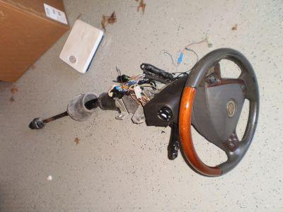 03-07 Cadillac CTS OEM Steering Column Wood Grain Wheel w/ Air Bag floor shift