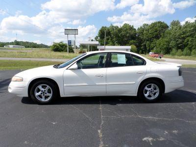 2001 Pontiac Bonneville SE (White)