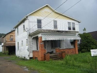2 Bed 1 Bath Foreclosure Property in New Galilee, PA null - Washington St