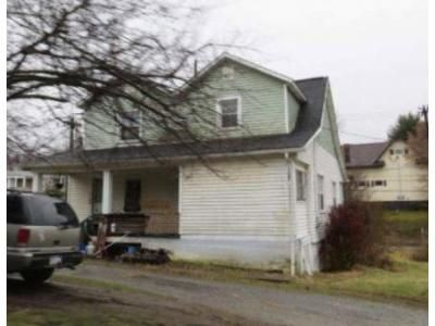 4 Bed 1.5 Bath Foreclosure Property in Johnstown, PA 15902 - Frankstown Rd