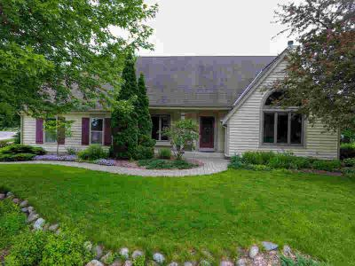 W241N5923 Goldencrest Ct Sussex Three BR, First time on the