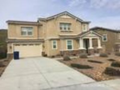 Six BR Four BA In Palmdale CA 93551