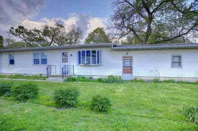 206 South 1st Street FISHER, Great first home or investment