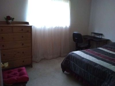2 bedrooms for rent in bolton .west linn. in house car garage