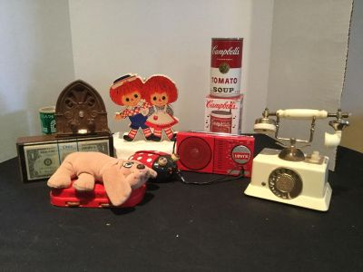 Vintage Novelty Transistor Radios-great repair projects or hobby