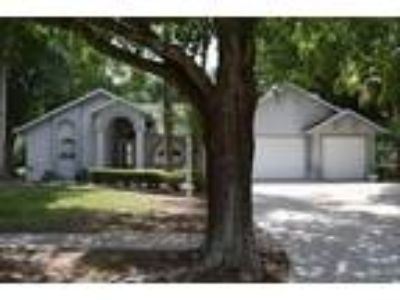 Exclusive and highly sought after community of Castle Key Estate, Valrico Fl...