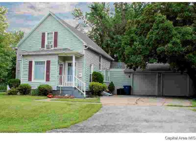 721 N 3rd St Monmouth Three BR, Charming 1.5 story house close to