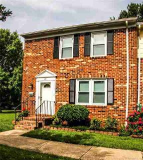 29 Charles Parish Dr POQUOSON Three BR, Great end unit townhome